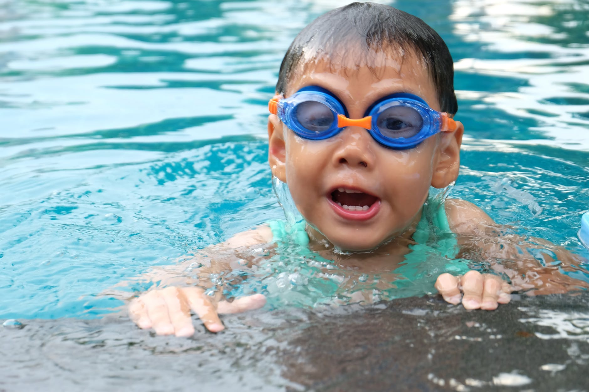 Basic toddler water safety tips